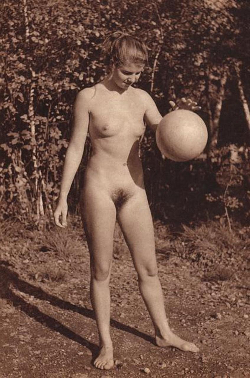 naked women bouncing boobs – Amateur