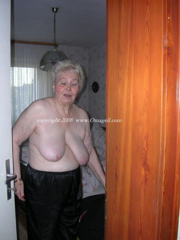 nudist classic scans – Domina