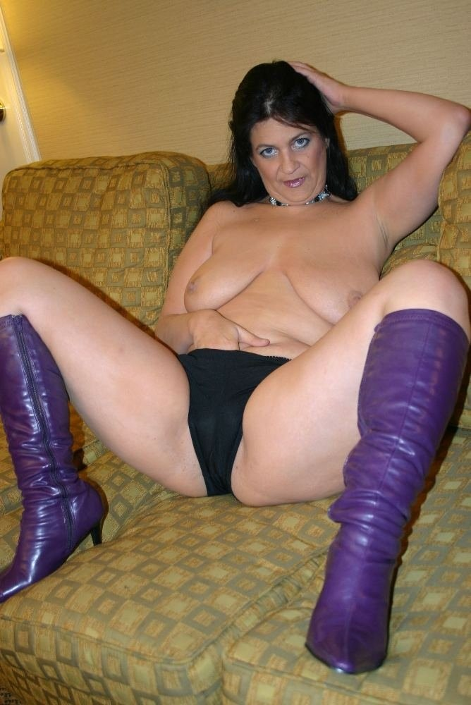 lesbian foot slave fumiko you tube – Lesbian