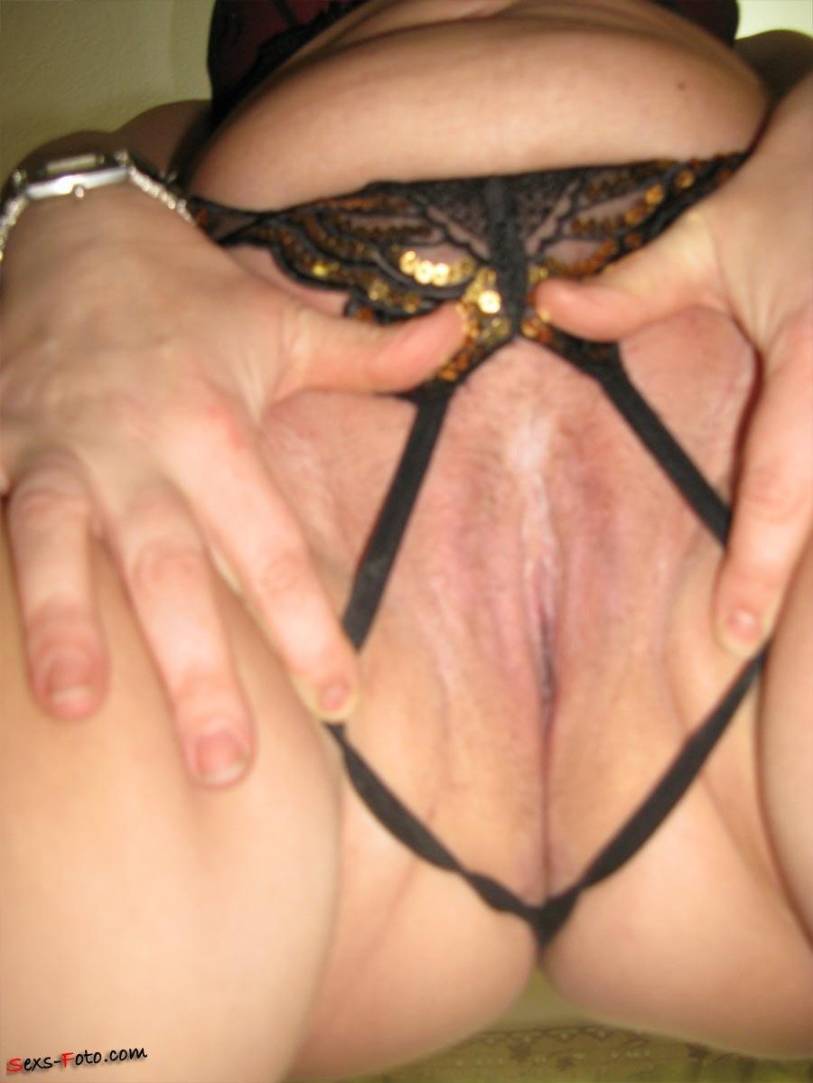 pokeys tits nipples – Erotisch