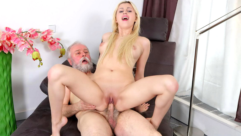 Legal Age Teenager And Old Man Are Fucking