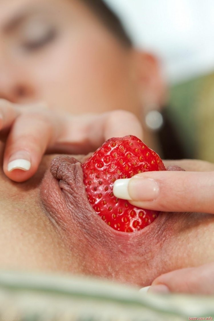 bleeding while getting fuck porn sex xxx – Lesbian